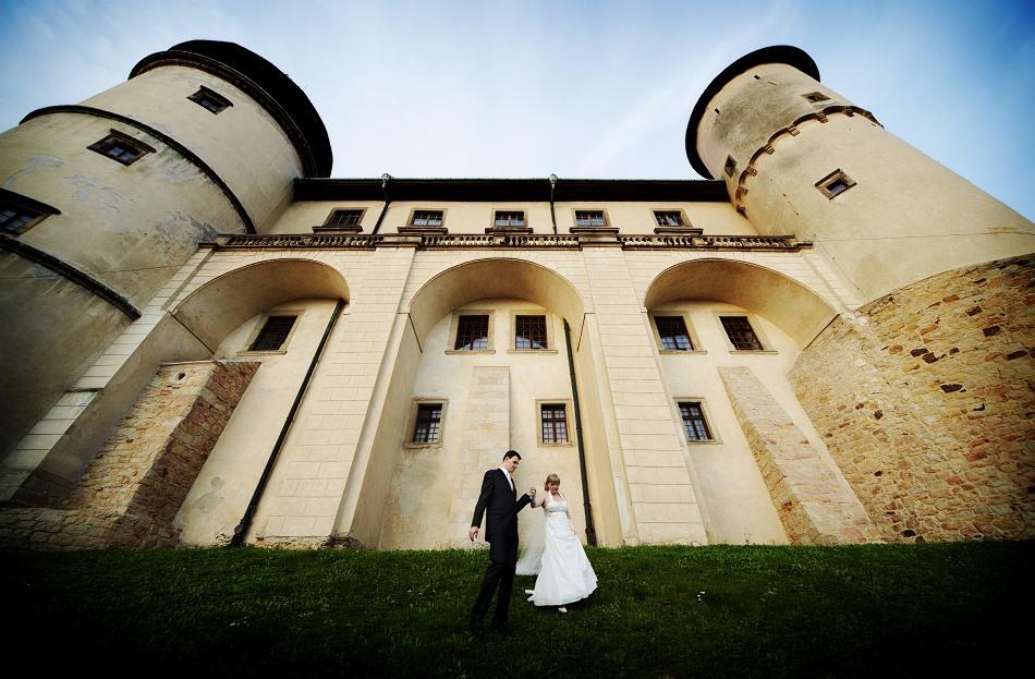 Plener ślubny na zamku w Wiśniczu –  Justyna i Miłosz