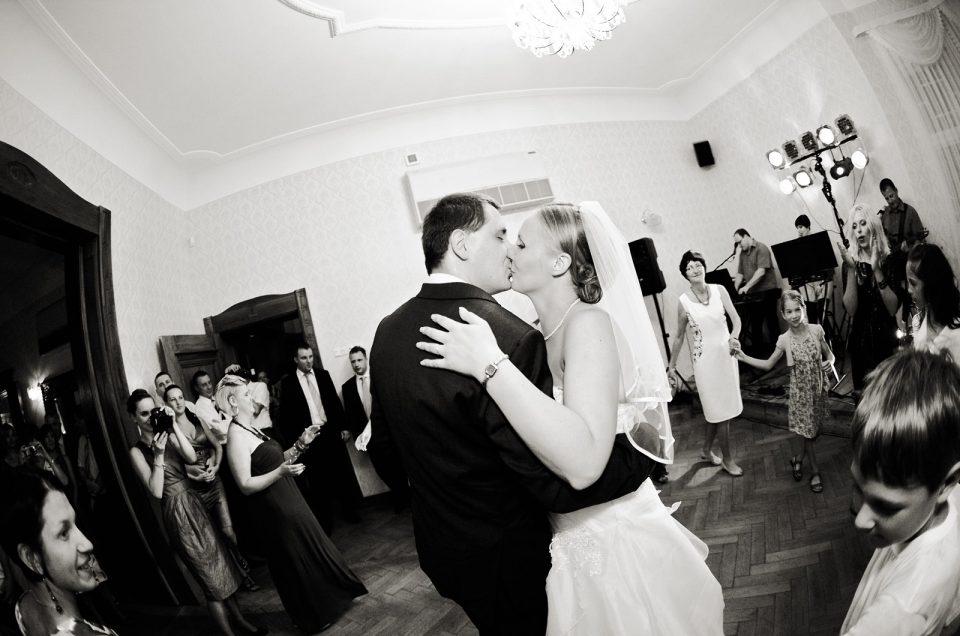 Asia i Krzysztof – fotografia ślubna Bielawa, dolnośląskie