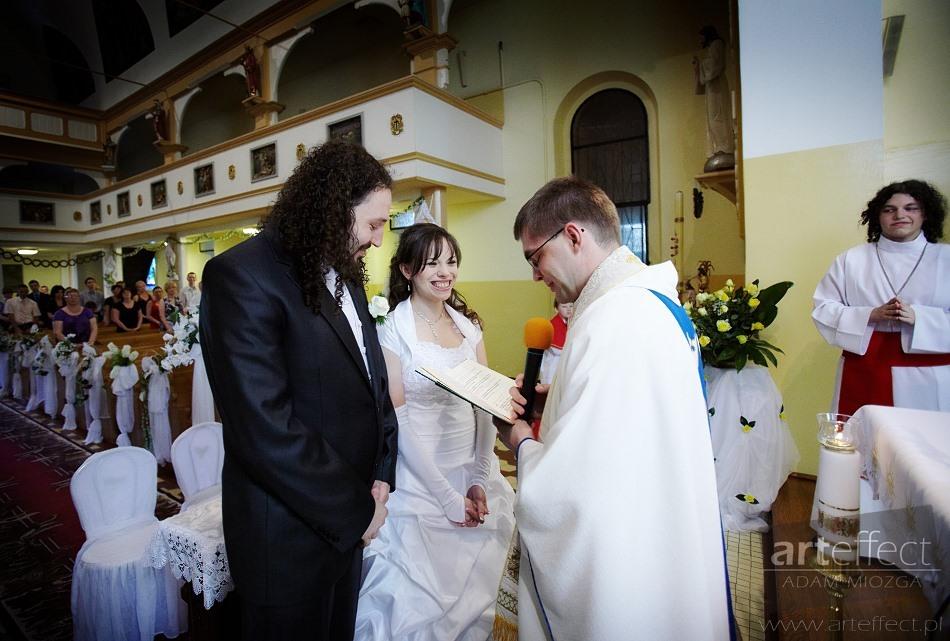 fotografia ślubna Ruda Śląska kościół Matki Bożej Różańcowej Wesele Karczma Rajcula zdjęcia ślubne